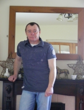 andrew 47 y.o. from UK