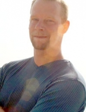 Chris 44 y.o. from USA